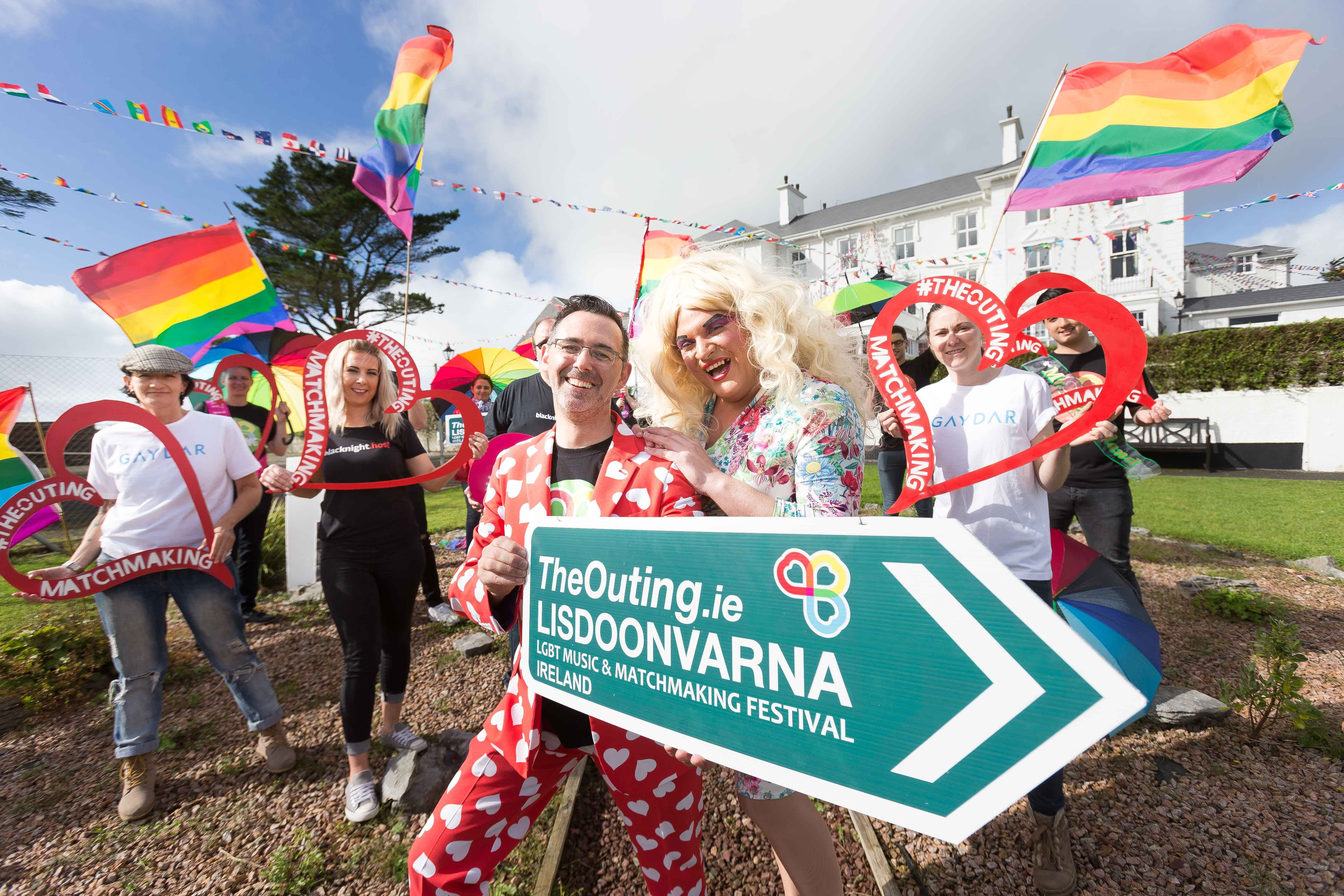 showing-the-way-to-love-at-the_outing_lisdoonvarna_launch-with-blacknight-gaydar-festival-sponsors